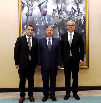 Milli Eğitim Bakanı İsmet Yılmaz ve Doğa Koleji Genel Müdürü Ali Rıza Lüle